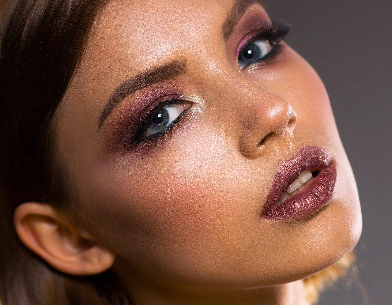 Apprendre à maitriser l'univers du maquillage permanent